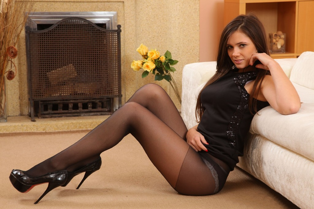 Hot girls in pantyhose