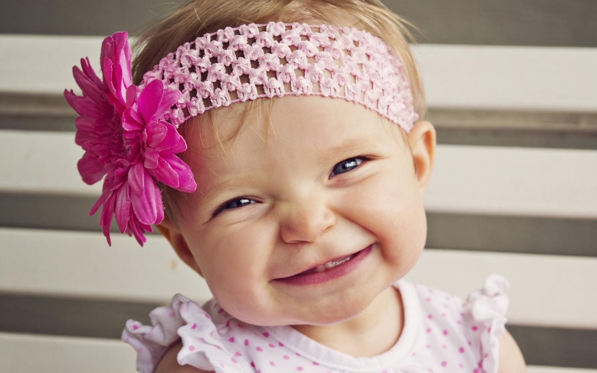 Cute Baby Girl Smile Desktop Wallpaper 1920x1200