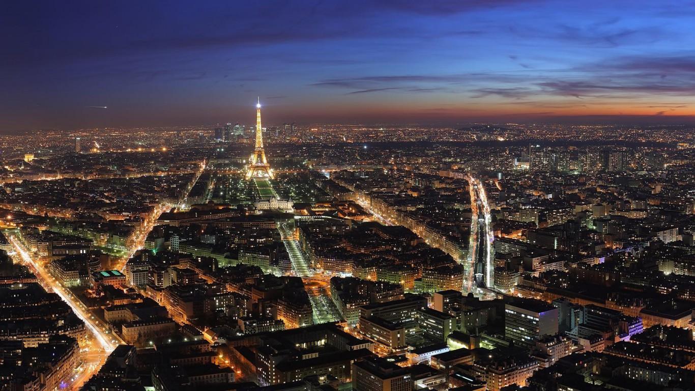Paris Paris at Night Wallpaper 1366x768