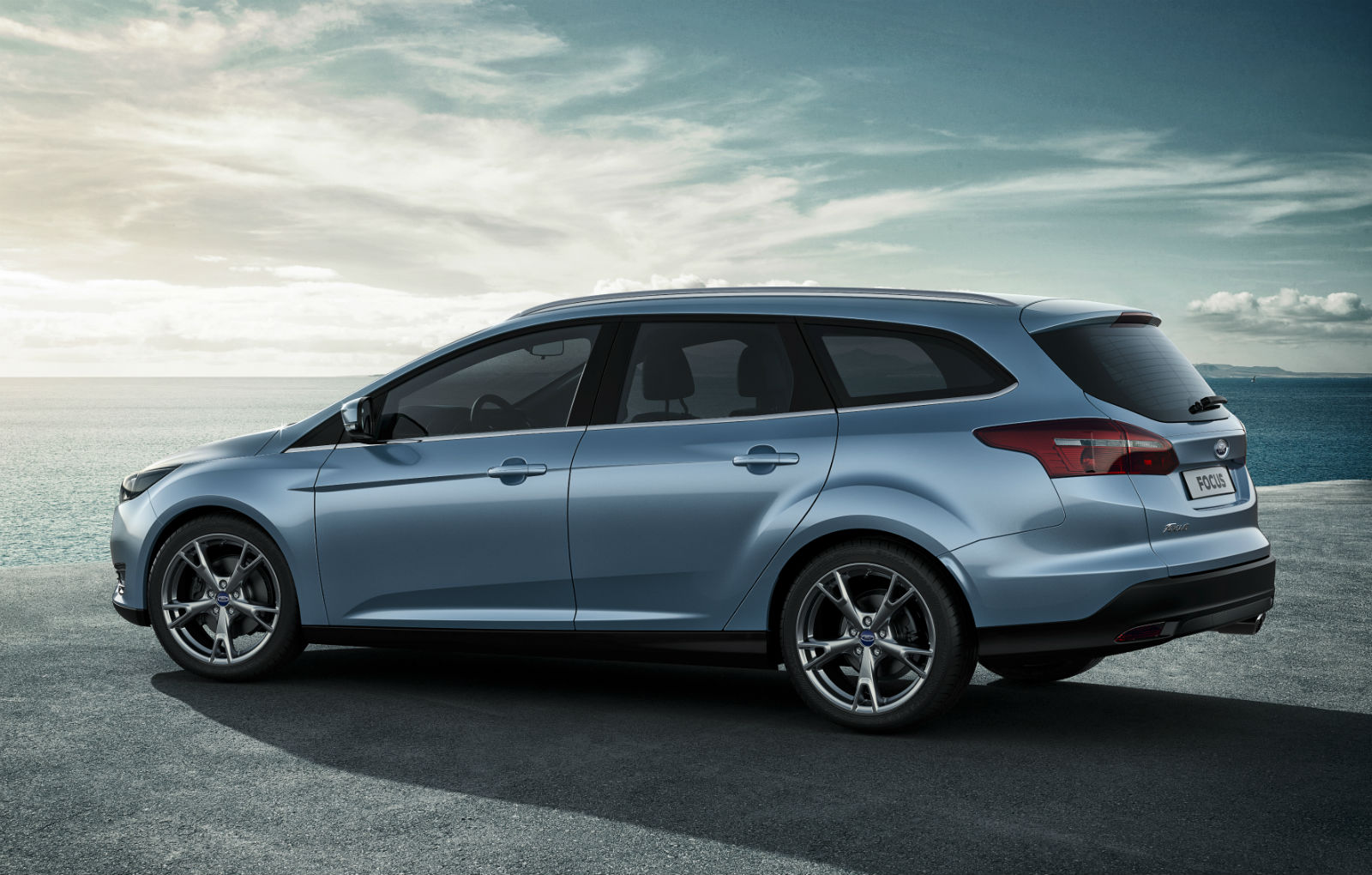 2015 Ford Focus Wagon Car Wallpaper   HD 1600x1020