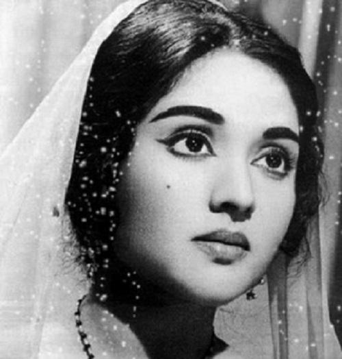 Hindi Old Actress Photos Malayalam Actress Photos Without Dress Hot 500x524