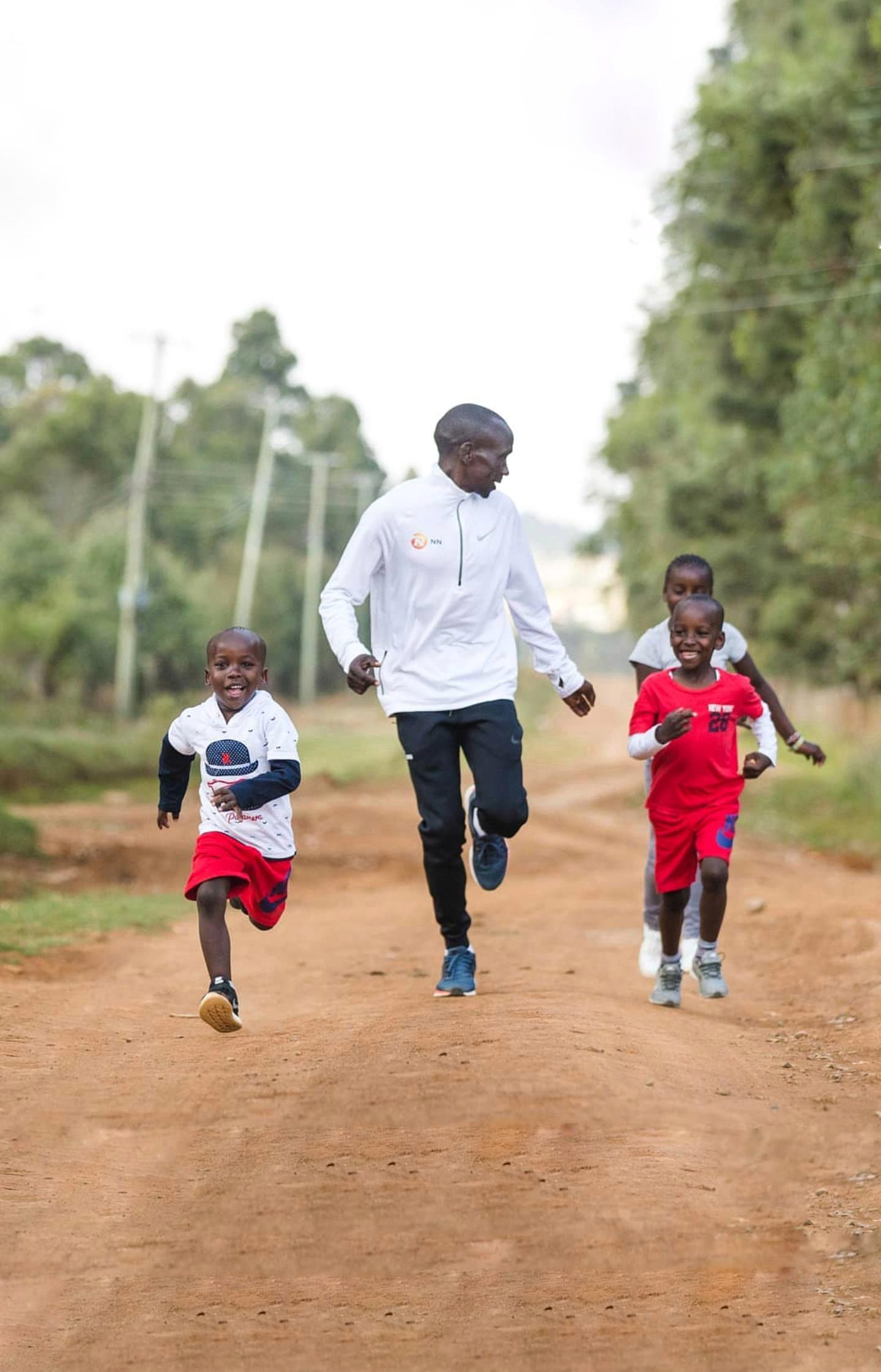This is Eliud Kipchoge the greatest marathon runner of all time 1440x2244