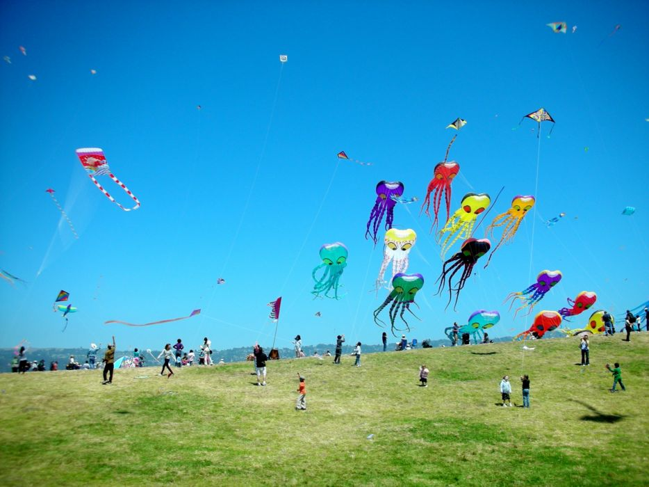 Kite flying bokeh flight fly summer hobby sport sky toy fun 934x700