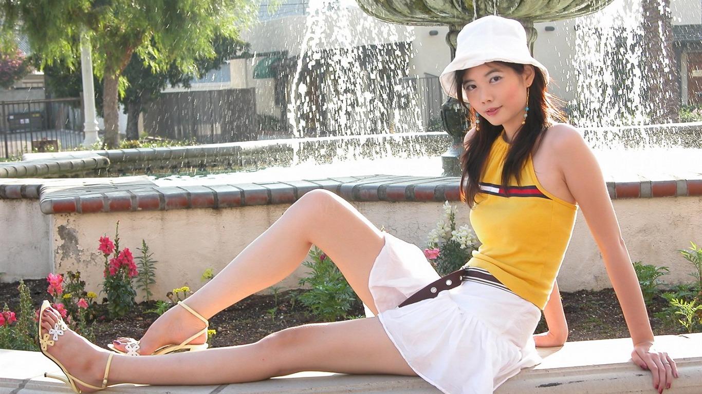 Beauty leg model wallpaper 15   1366x768 Wallpaper Download 1366x768