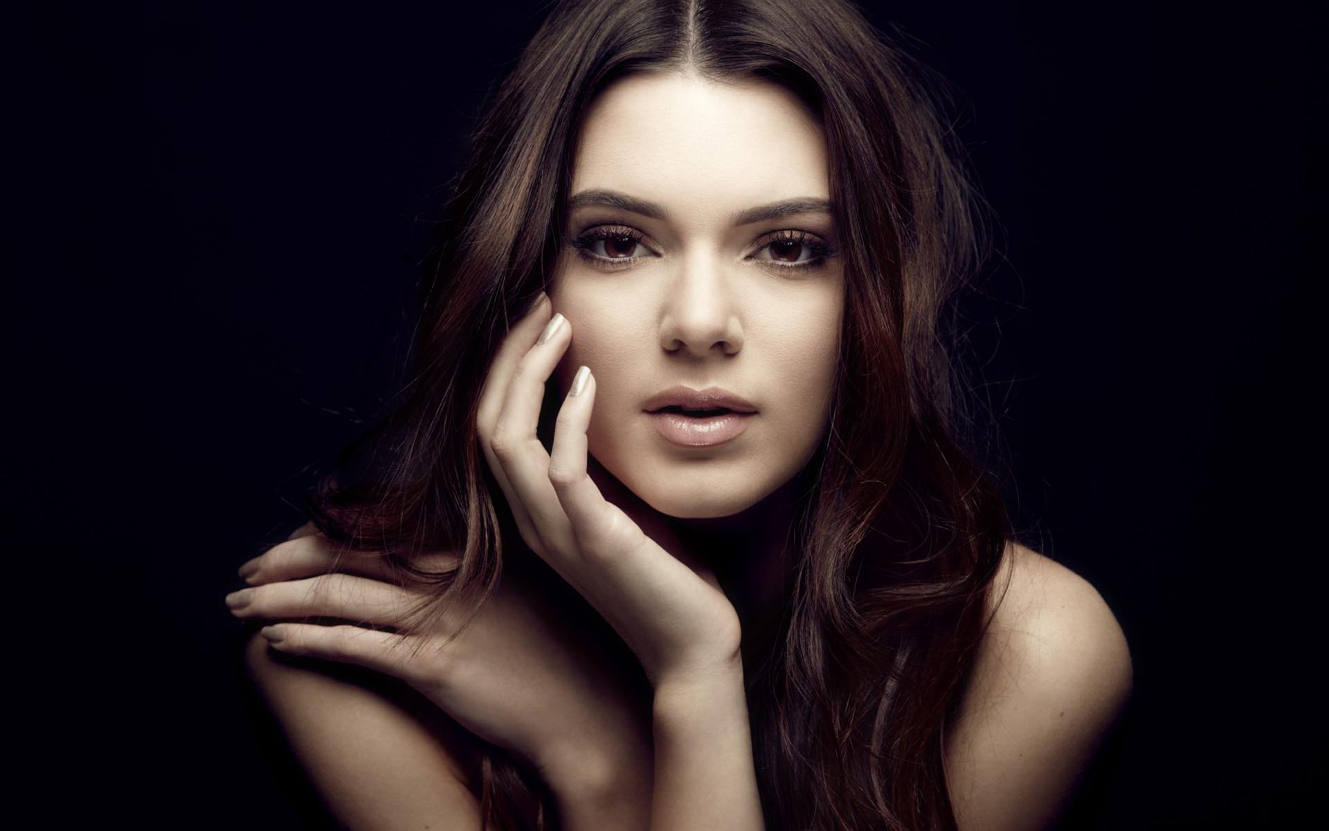 Kendall Jenner HD Wallpapers Pictures Images 1920x1200
