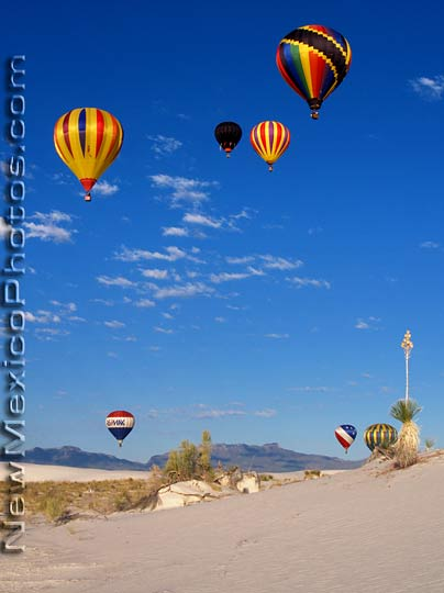 Hot air balloons rise into the endless New Mexico Sky at the 2005 404x540