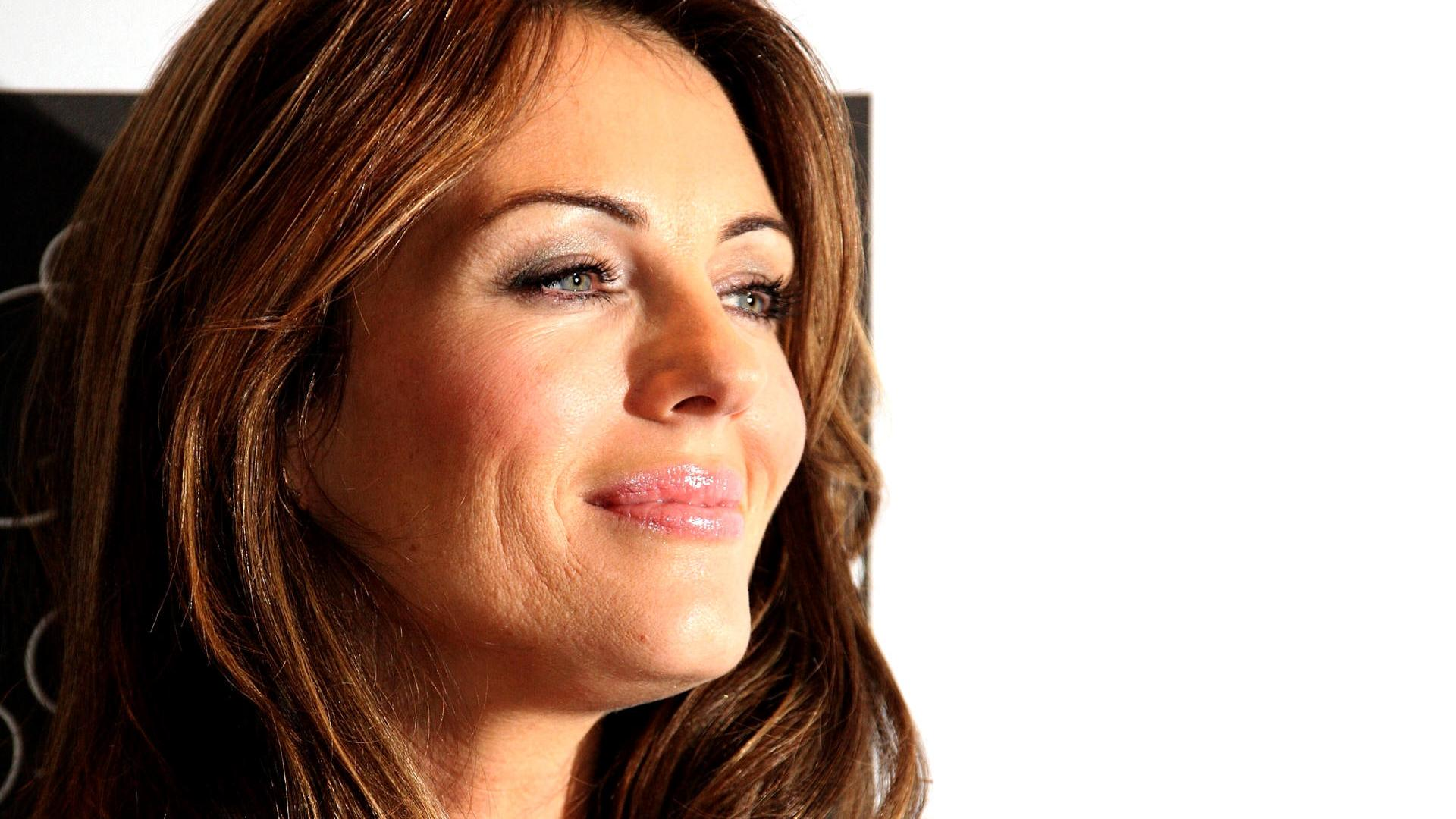1920x1080 Elizabeth Hurley smiling desktop PC and Mac 1920x1080