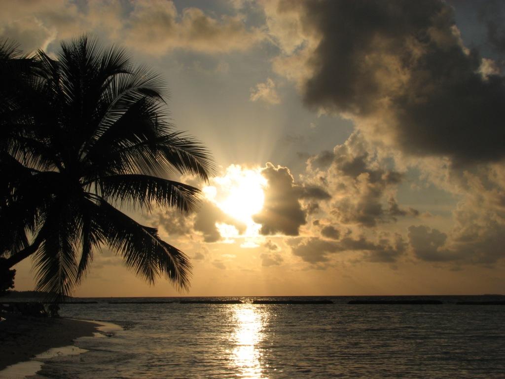 Exotic Islands   Maldives Hd Desktop Wallpaper 1024x768