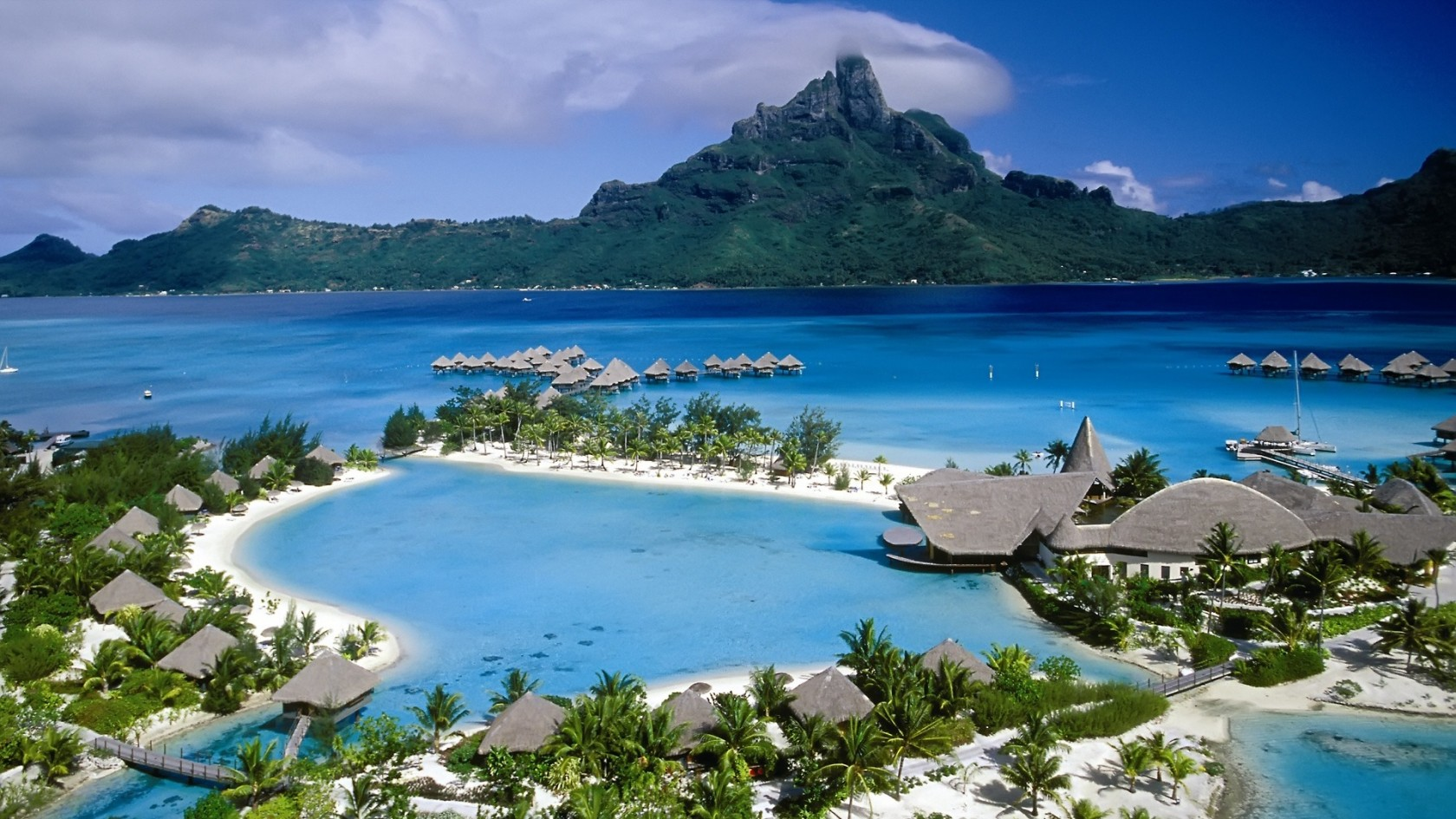 Beach Resort HD Wallpaper of Beach - hdwallpaper2013.com
