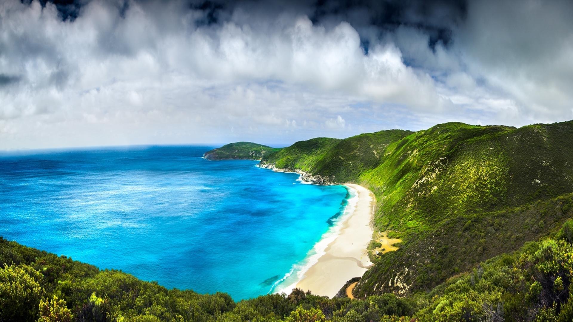 Beach Panorama Wallpaper