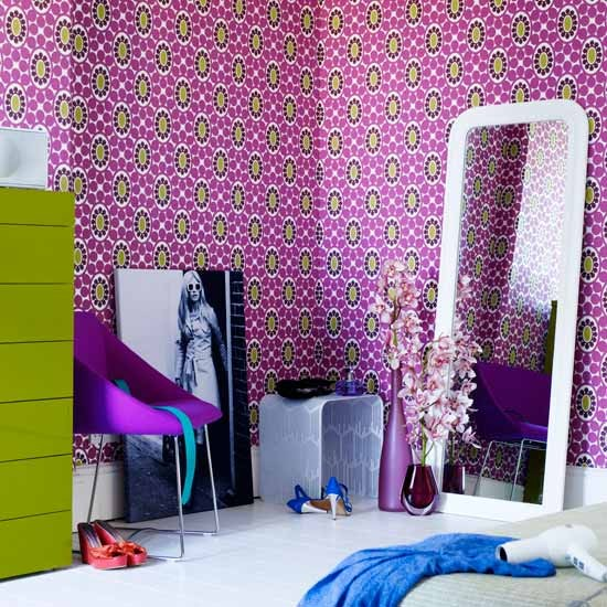 Patterned wallpaper Bedroom ideas for teenage girls Decorating 550x550