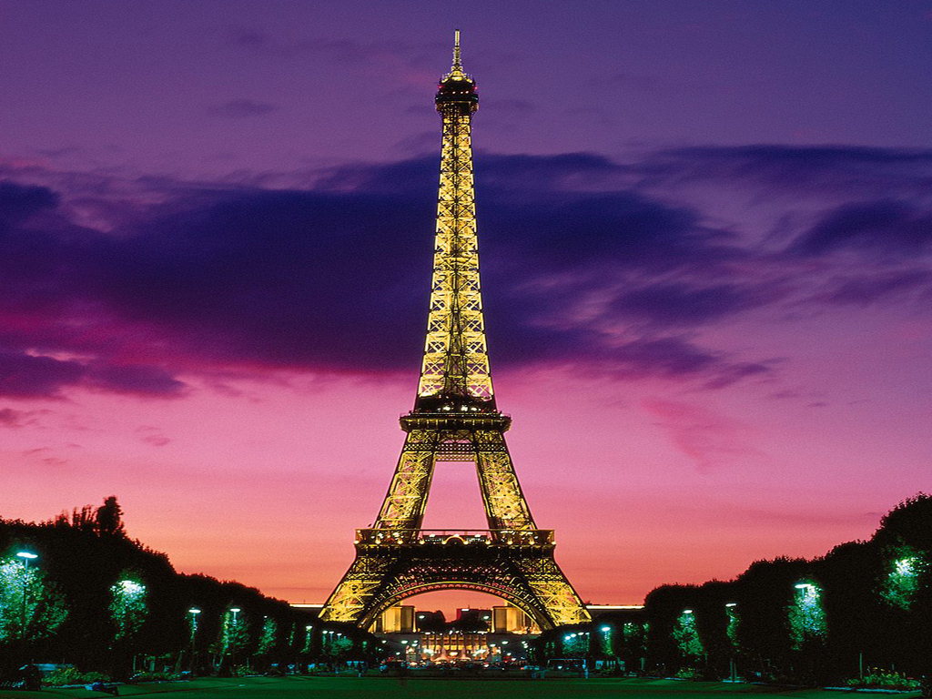 Girly Eiffel Tower Wallpaper