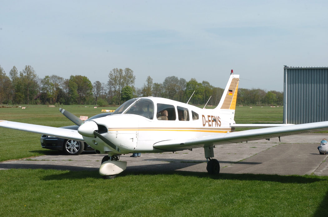 Piper Pa 28 Arrow D Ehfz Zum 1050x695