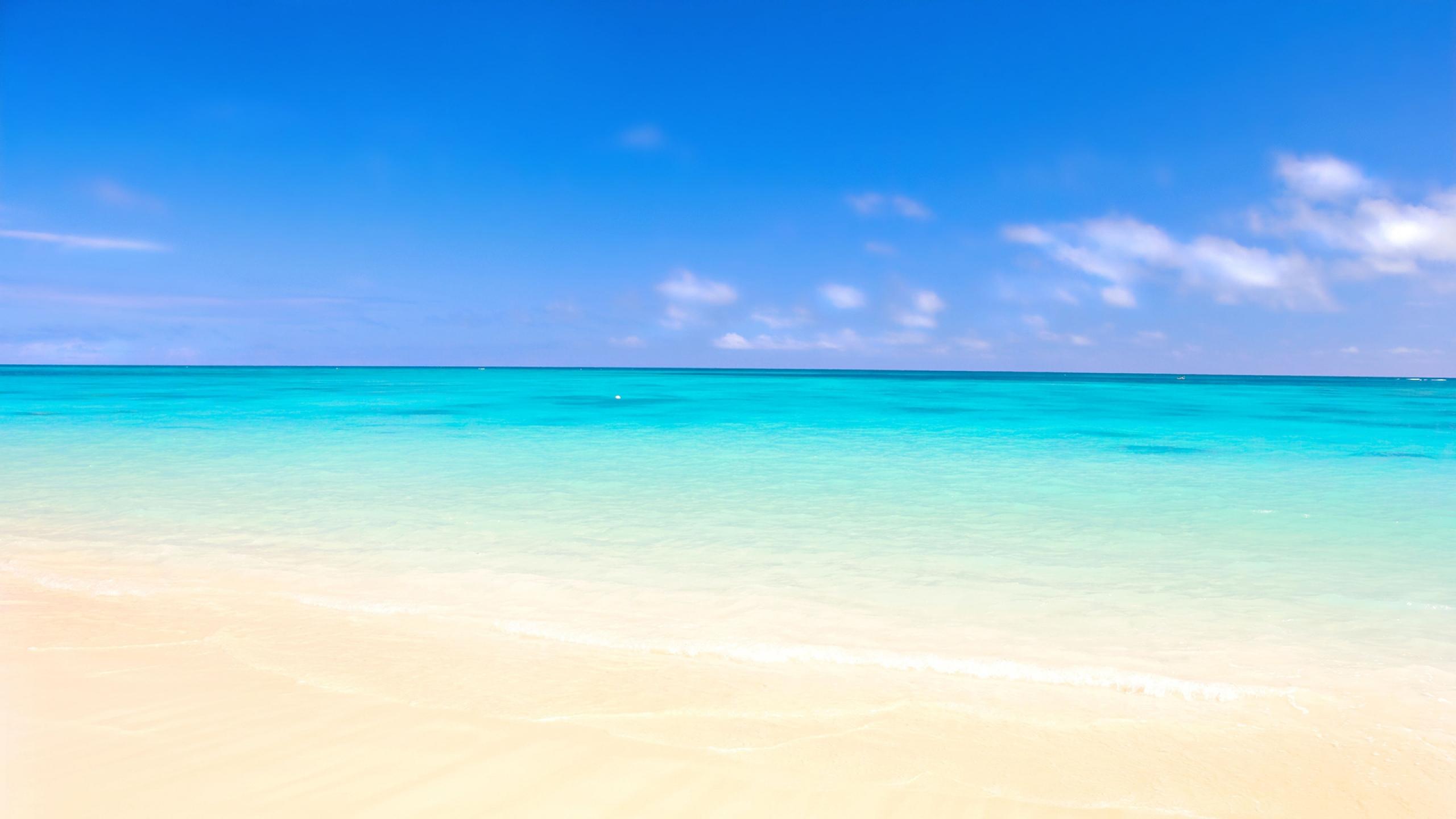 Download Wallpaper 2560x1440 ocean sand beach Mac iMac 27 HD 2560x1440