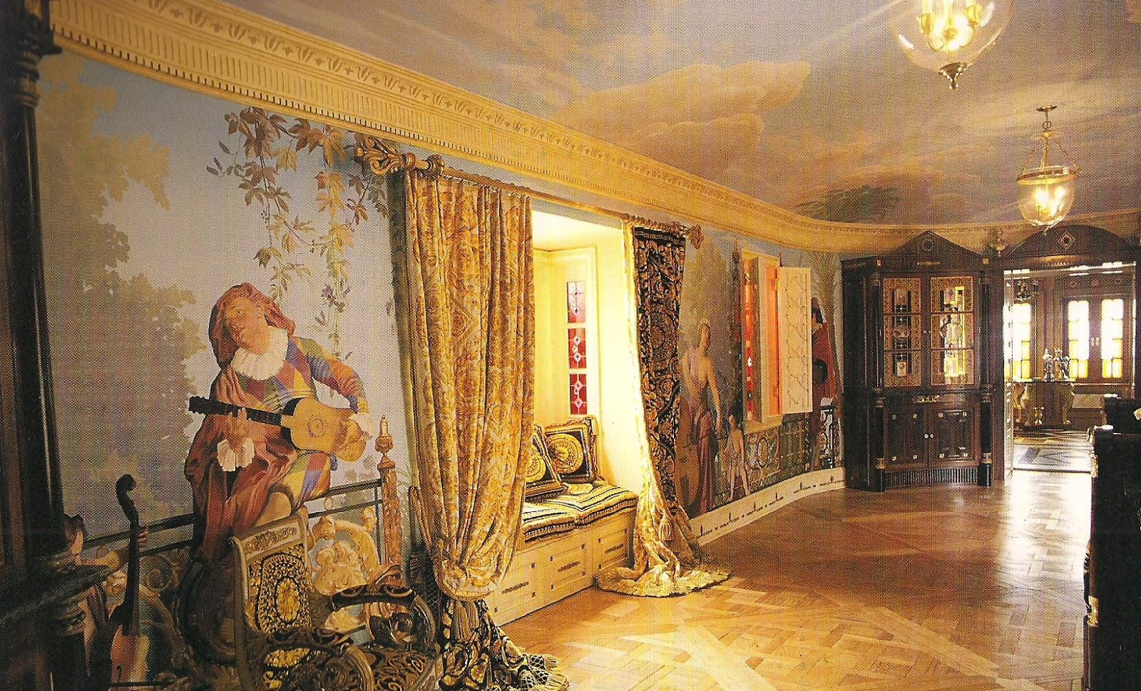 Gianni versace wallpaper wallpapersafari for Wallpaper versace home