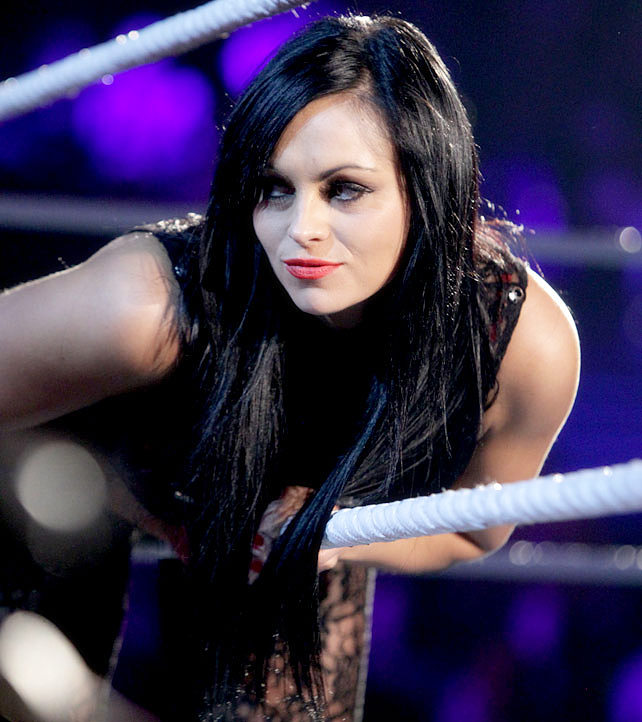 Aksana WWE Stylish Diva Entering In WWE Ring Picturesjpeg 642x722