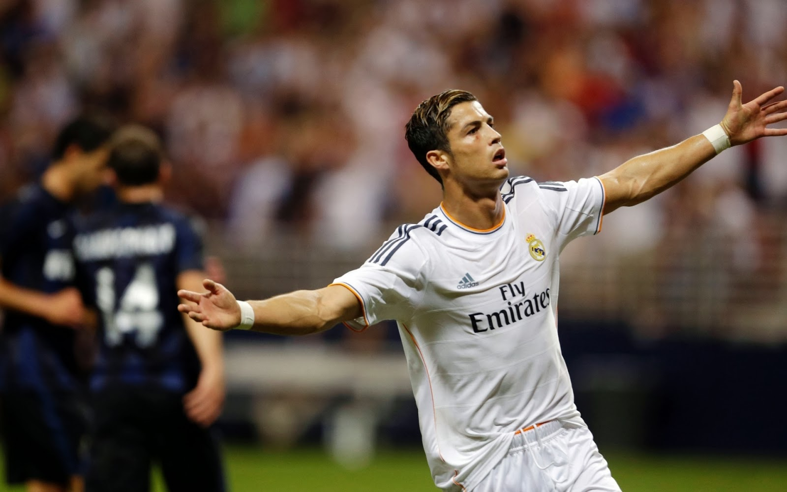 Download Cristiano Ronaldo 2014 Wallpapers HD 1600x1000
