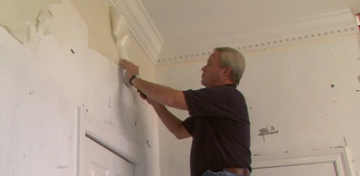 How to Strip Wallpaper from Walls Todays Homeowner 510x250