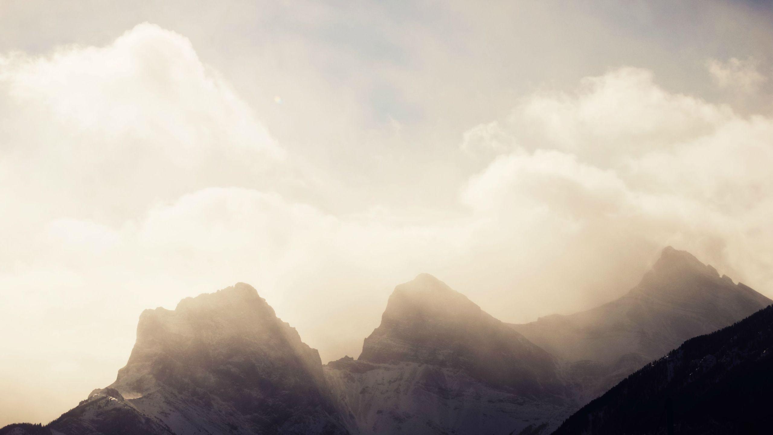 BOTPOST] Three Sisters Canmore Canada iimgurcom 2560x1440