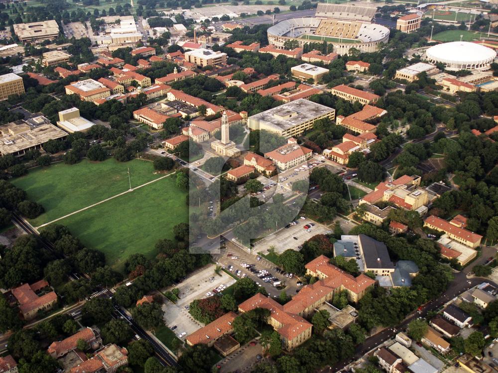Looks on Campus: Yuli - Louisiana State University