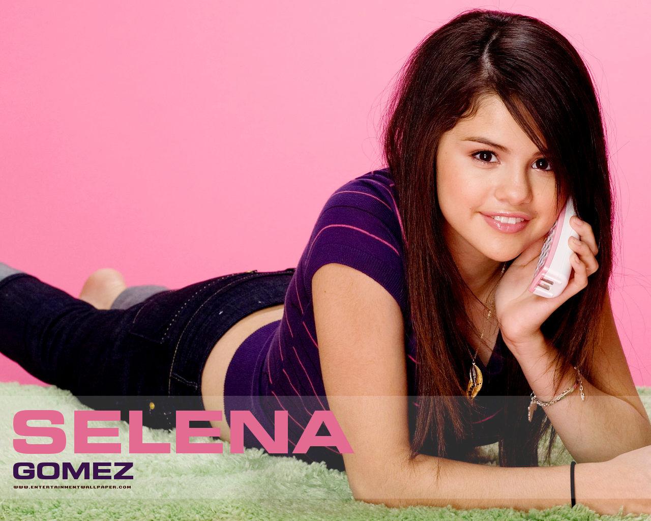Perk News Selena Gomez 2012 Wallpaper 1280x1024