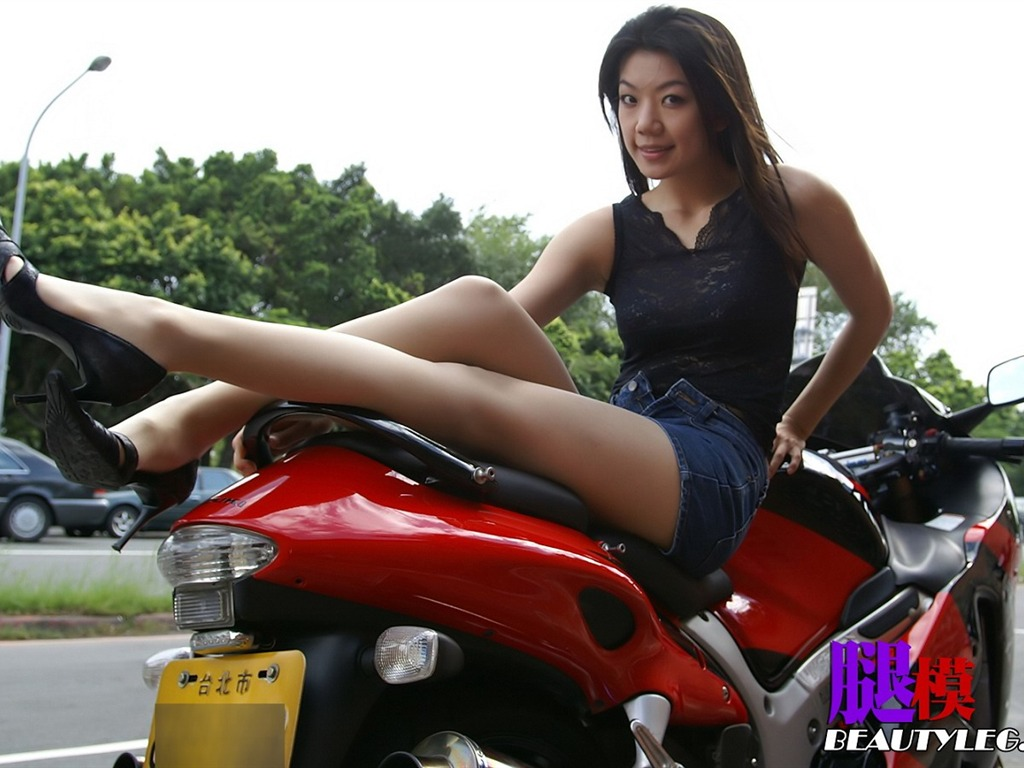 Beauty leg model wallpaper 18   1024x768 Wallpaper Download 1024x768