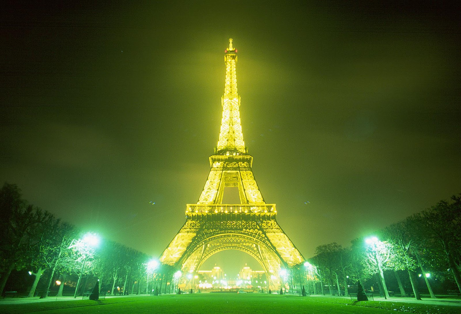 Paris at Night Wallpaper 1600x1092