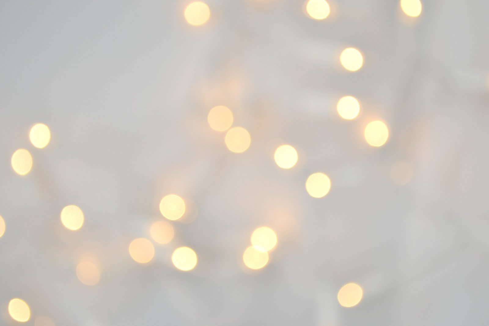 White Christmas Lights Wallpaper - WallpaperSafari