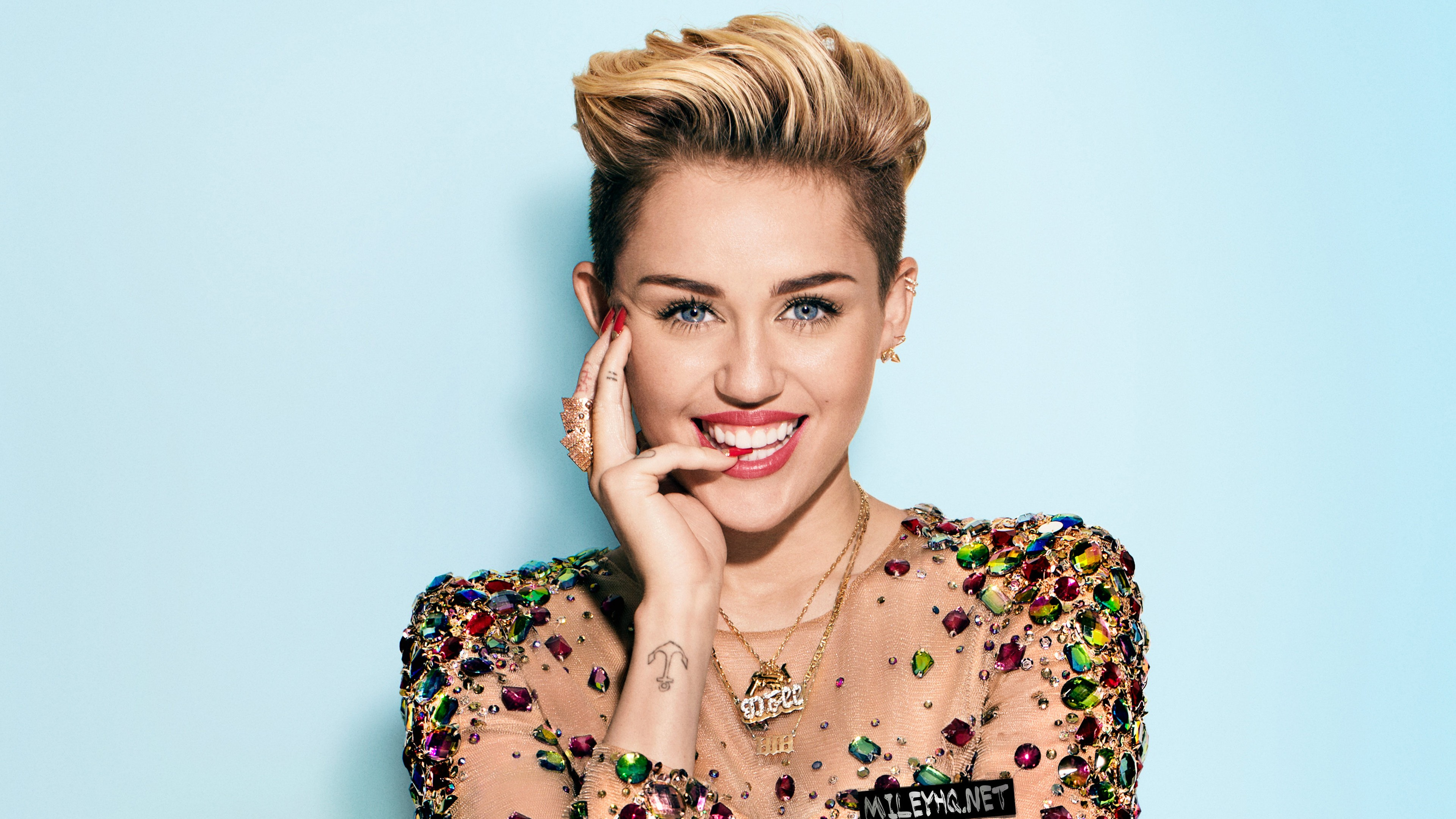 Miley Cyrus 84 HD wallpaper 3840x2160