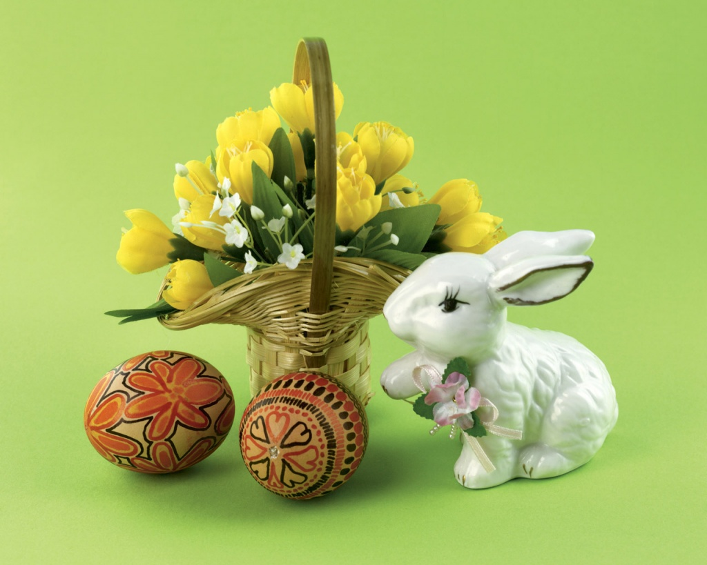 1024x768 Easter Gift desktop PC and Mac wallpaper 1024x819