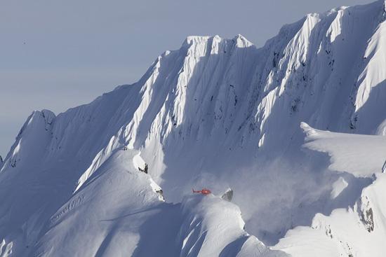 Heli Skiing Wallpaper 550x367