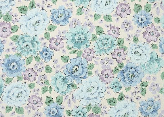 Vintage Wallpaper   Floral Wallpaper of Lavender Purple and Light Blue 570x407