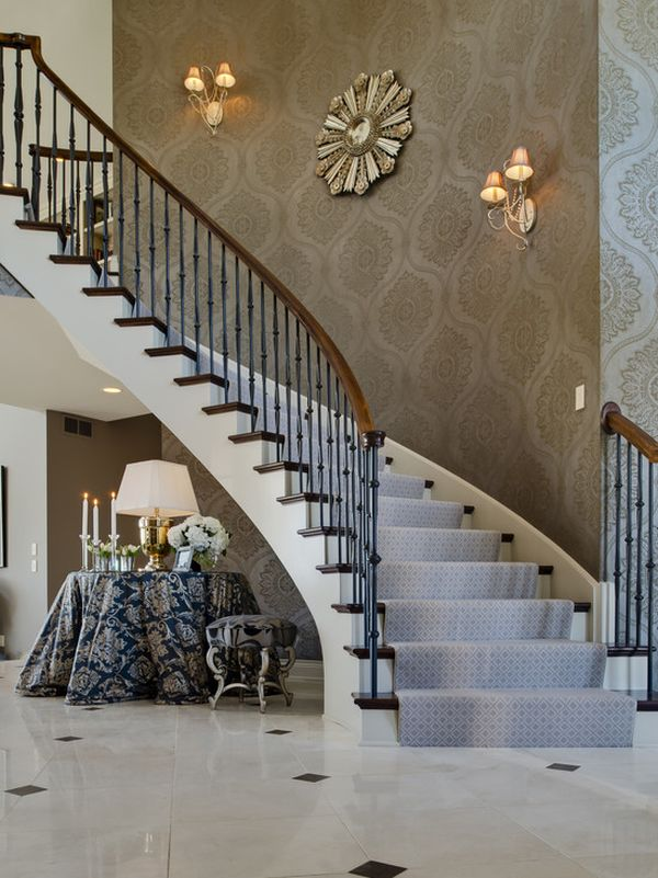 Tips for Utilizing a Stairway Wall 600x801