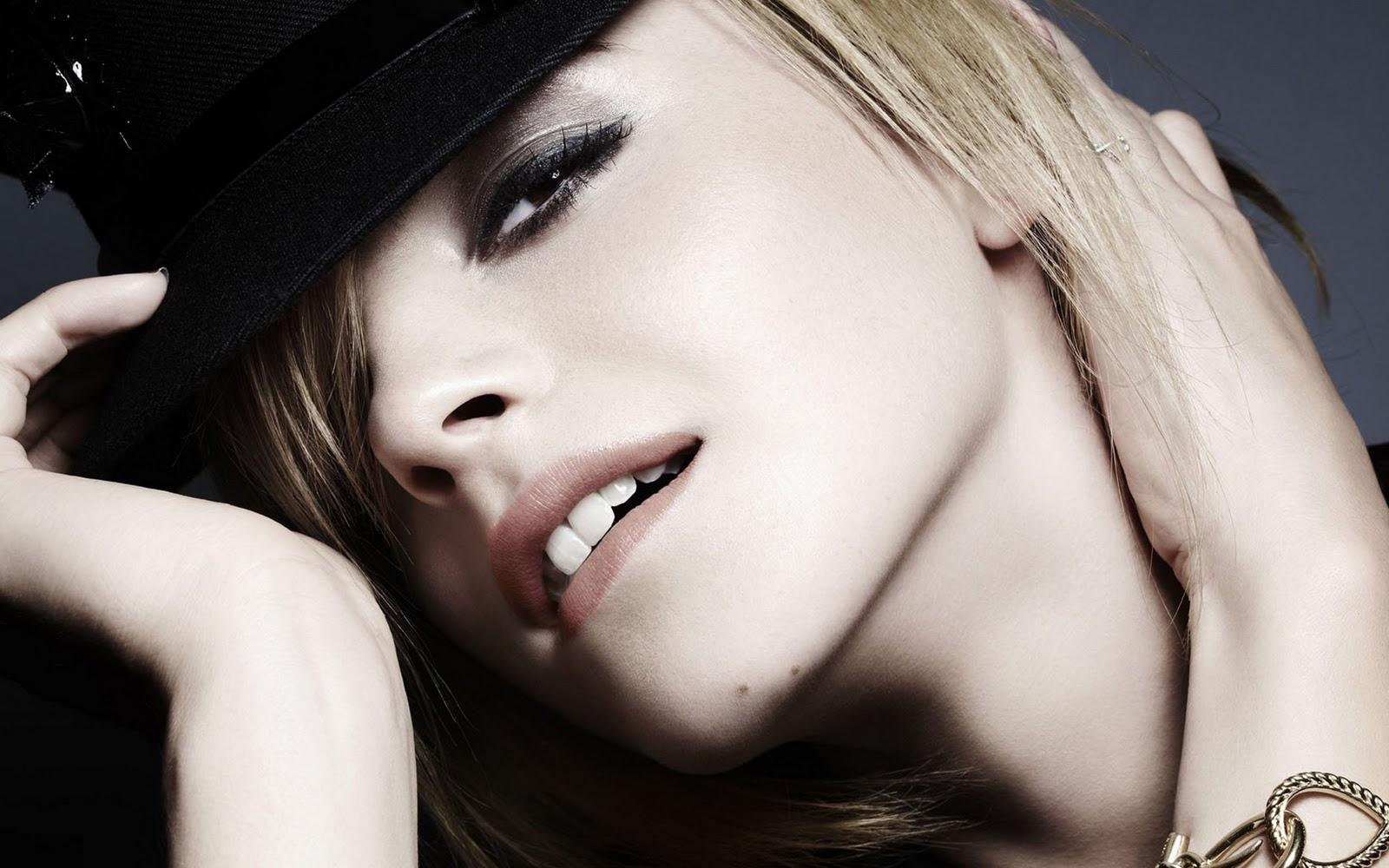 Hollywood Emma Watson Hot HD Wallpapers 2012 1600x1000