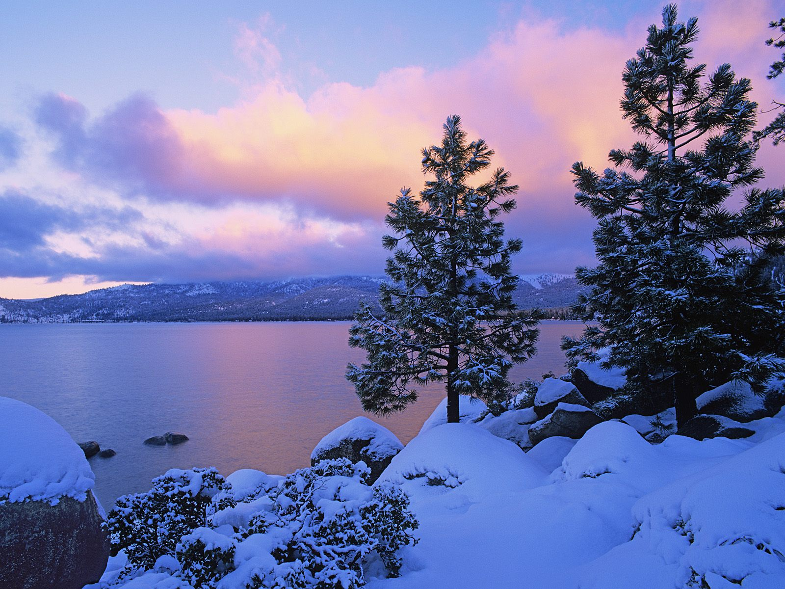 of Winter Lake Tahoe photo Colors of Winter Lake Tahoe wallpaper 1600x1200