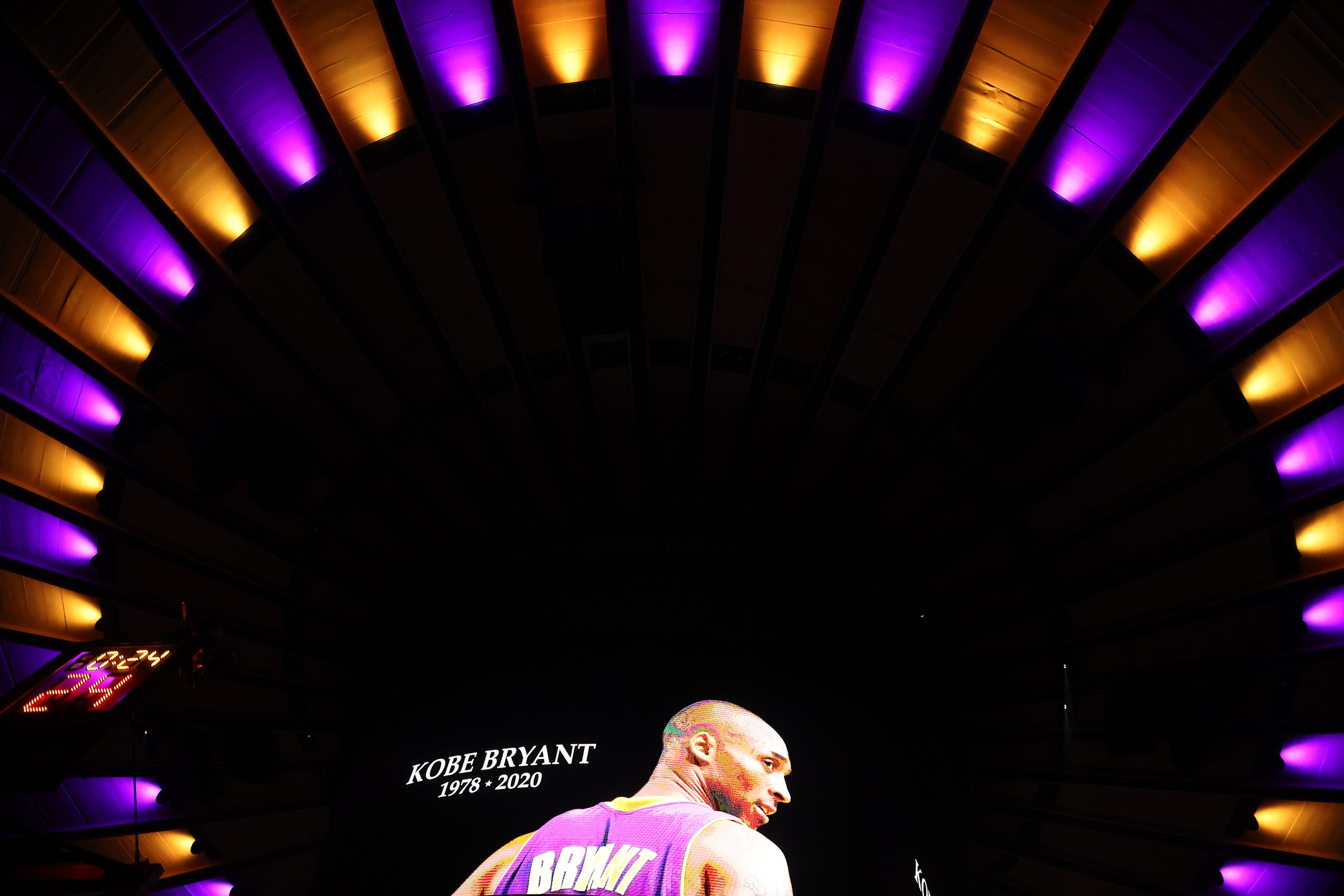 Madison Square Garden pays tribute to Kobe Bryant before Knicks Nets 2560x1707