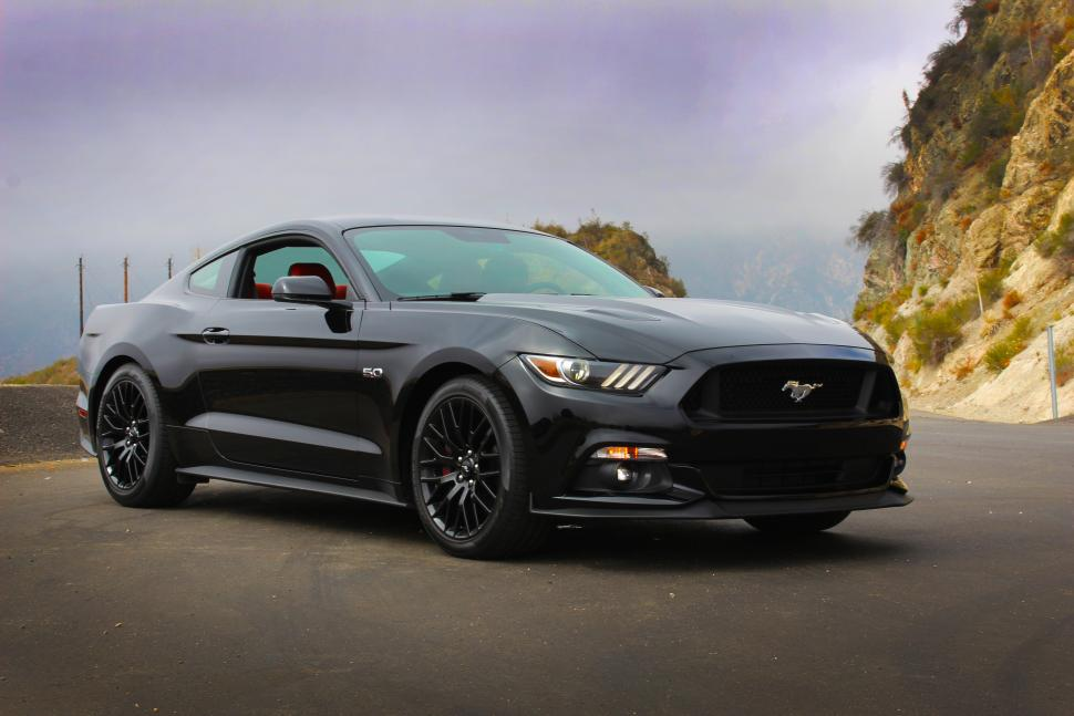 You can download 2015 Ford Mustang GT in your computer by clicking 970x647