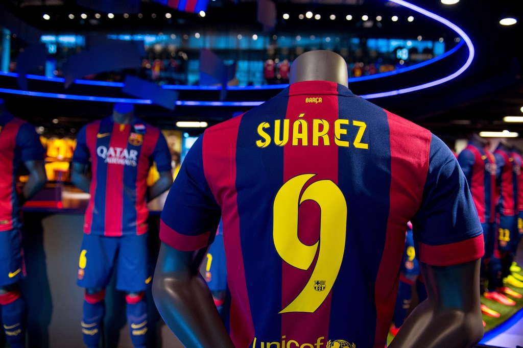 Luis Suarez Barcelona Shirt   Football Wallpaper HD Football Picture 1024x682