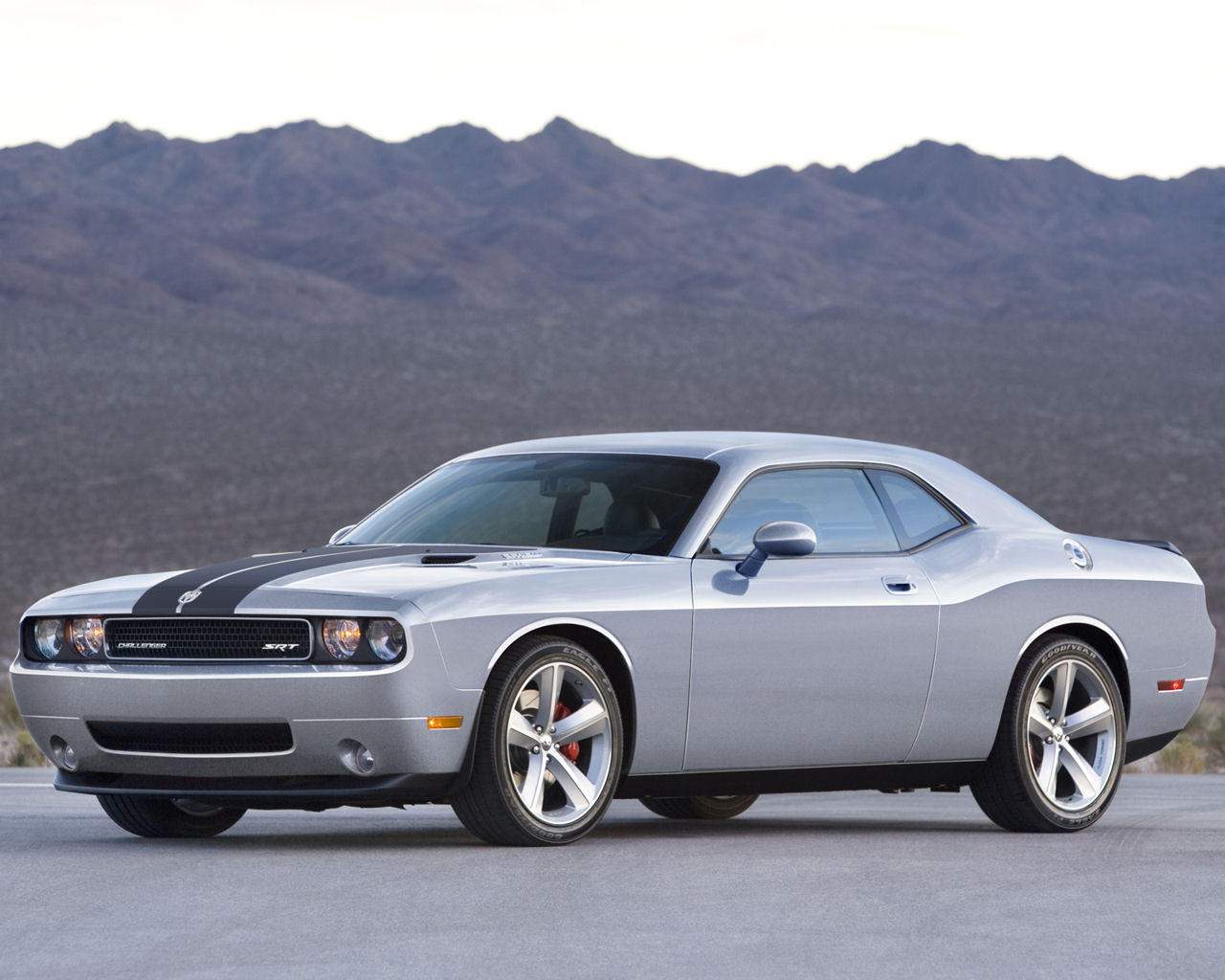 Please right click on the Dodge Challenger wallpaper below and choose 1280x1024