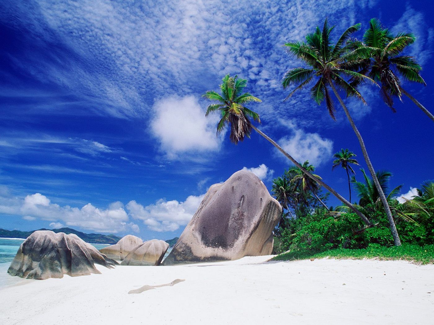 download Tropical Paradise wallpaper 1400x1050