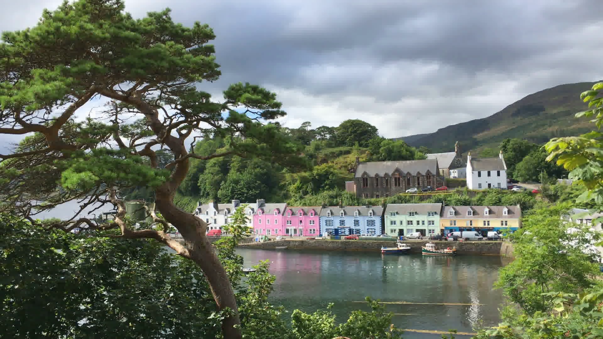 4K UltraHD A View of colorful buildings in Portree Skye Scotland 1920x1080