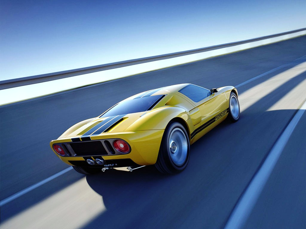 Yellow Ford GT 40 for speed   screensavers 1024x768