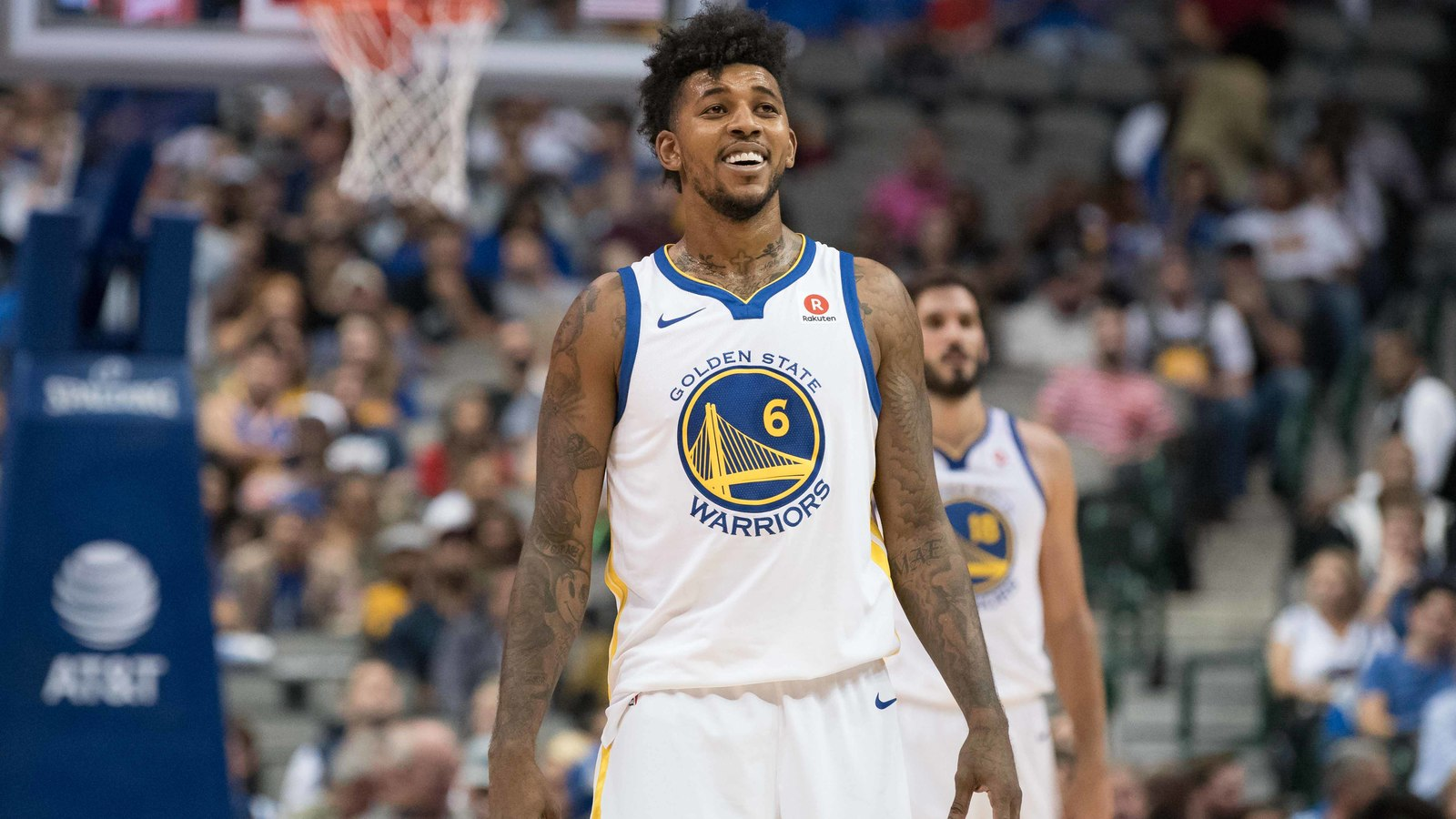 Nick Young shows love for DAngelo Russell on Twitter 1600x900