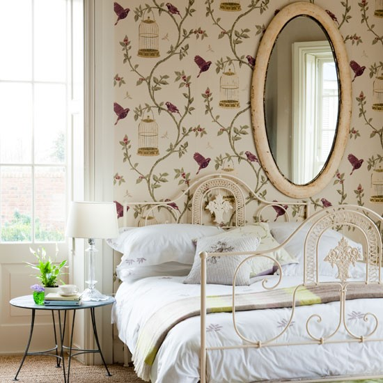 Hang stunning gilded bird cage wallpaper in a bedroom for a pretty 550x550