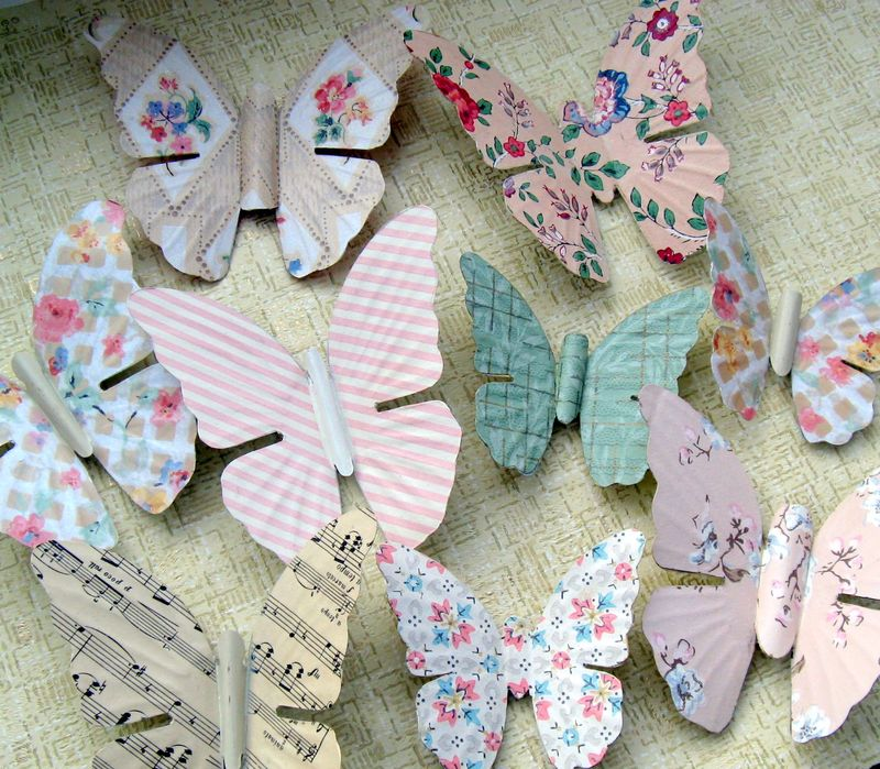Junk Up cycled vintage wallpaper butterflies   Mitzis Miscellany 800x699