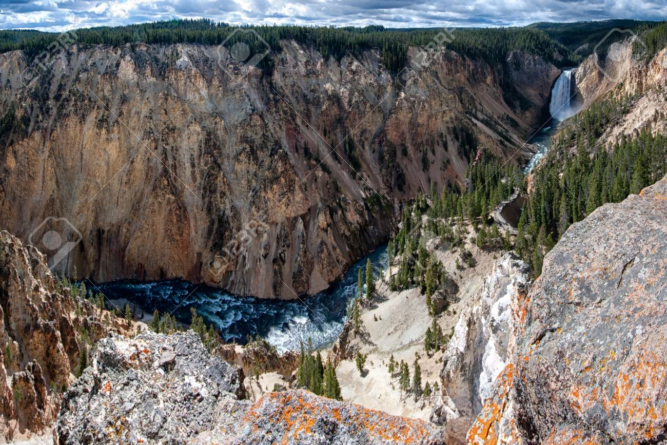 The Grand Canyon Of Yellowstone With In The Background The 1300x867