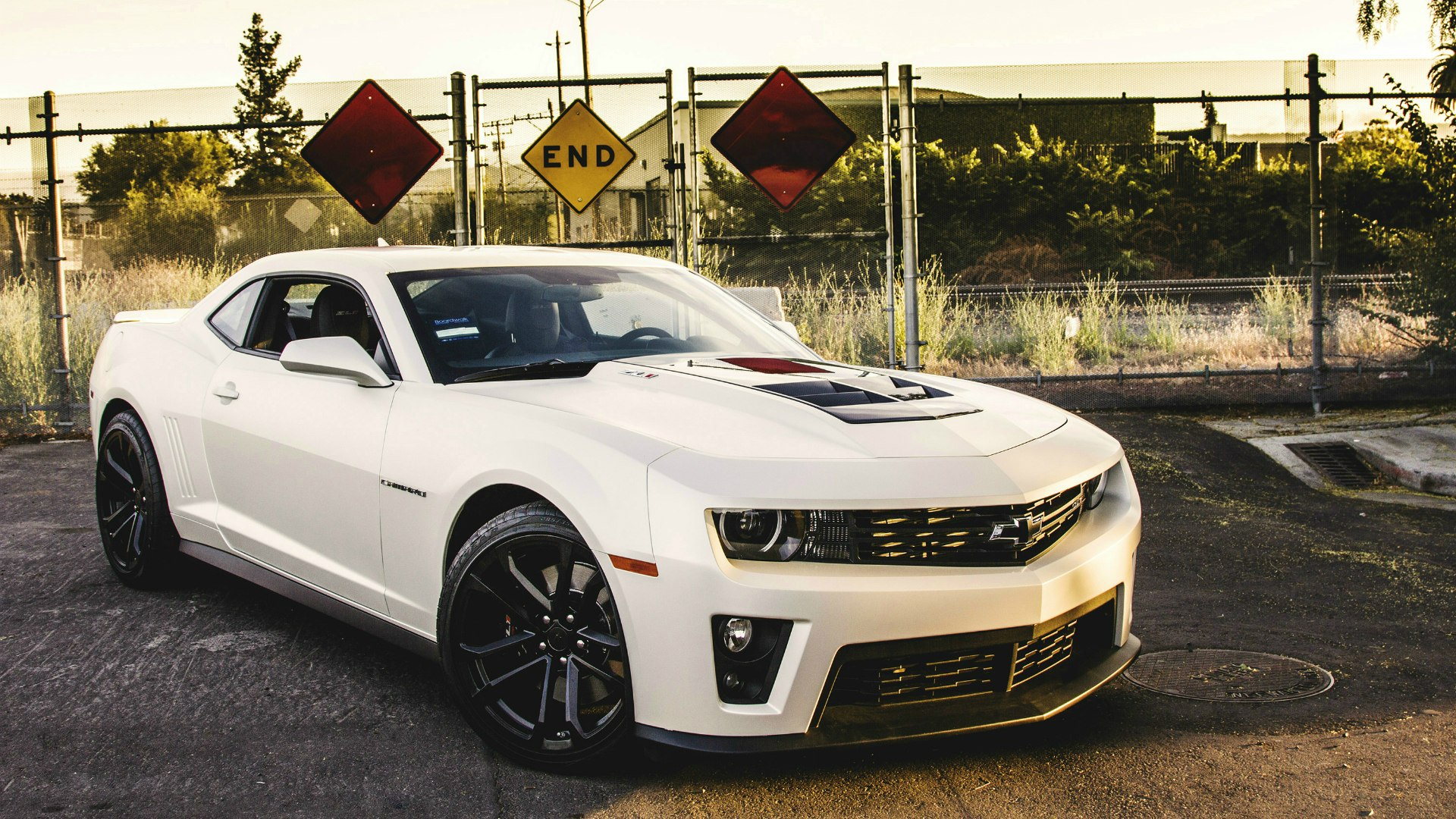 White Chevrolet Camaro ZL1 wallpapers and images 1920x1080
