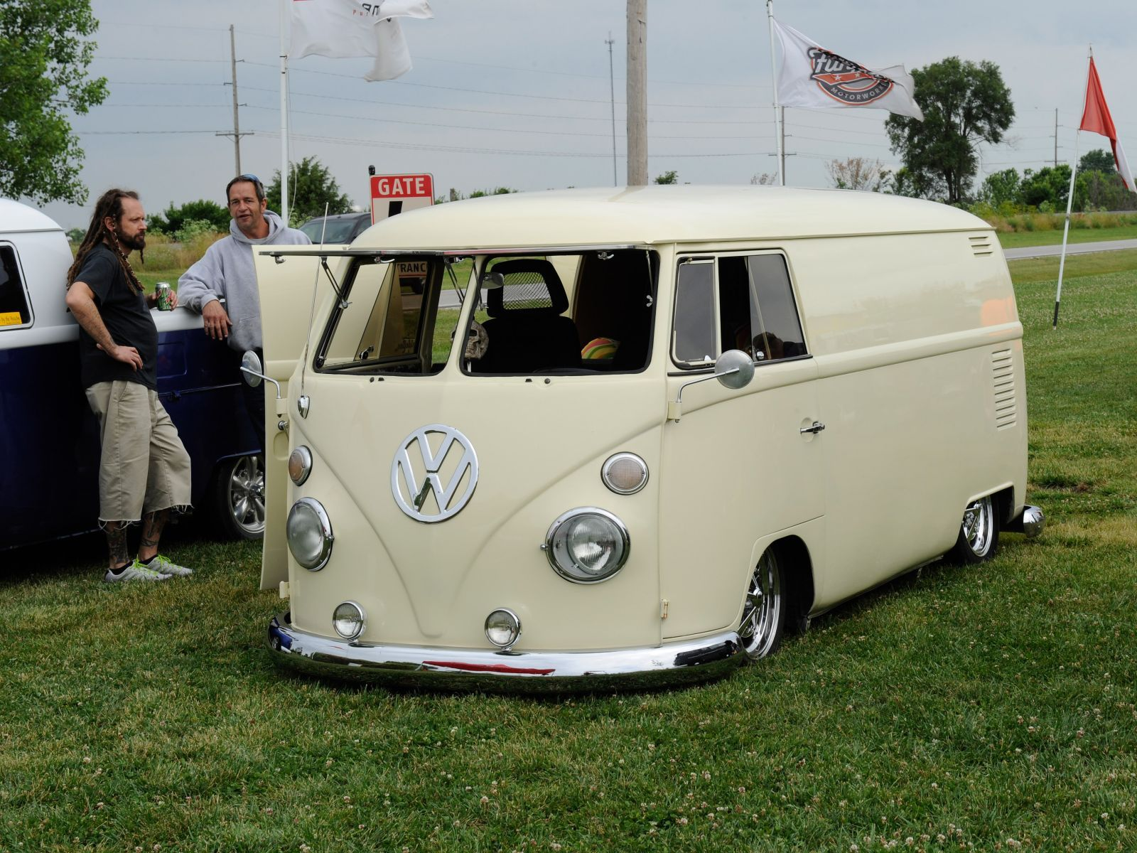 Funfest For Air Cooled Vw 2012 Vw Van Lowered Photo 98 1600x1200