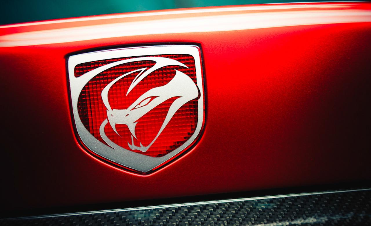 2013 SRT Viper GTS badge 1280x782