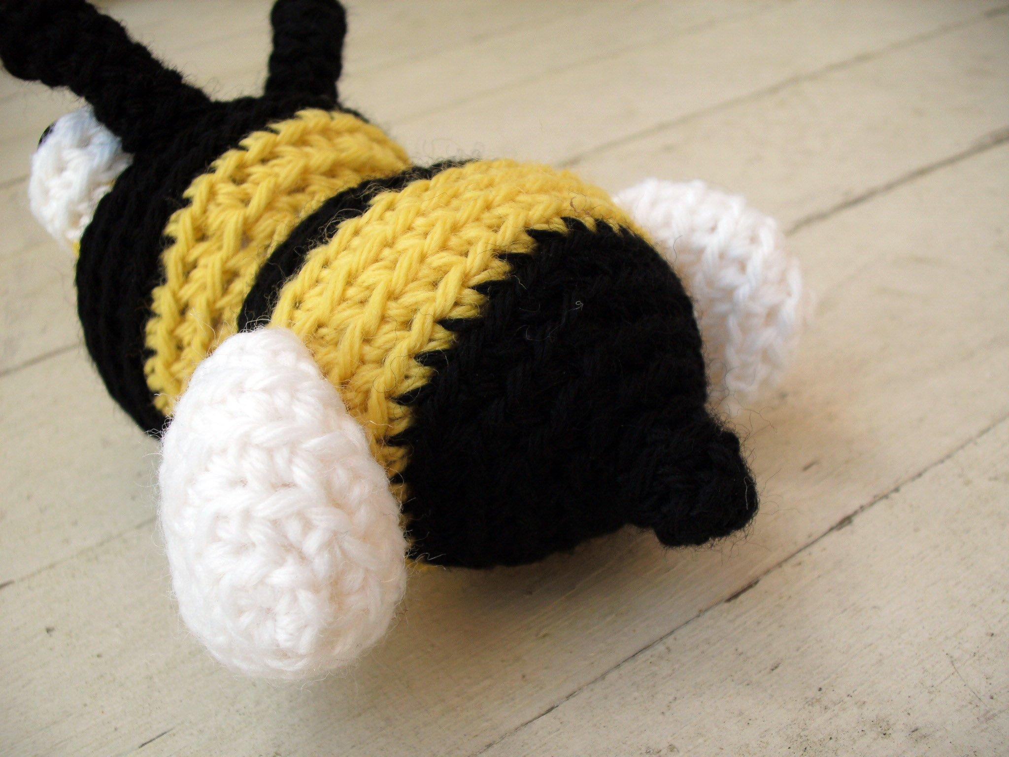 Bee Crochet Pattern crochet bumble bee pattern amigurumi 2048x1536